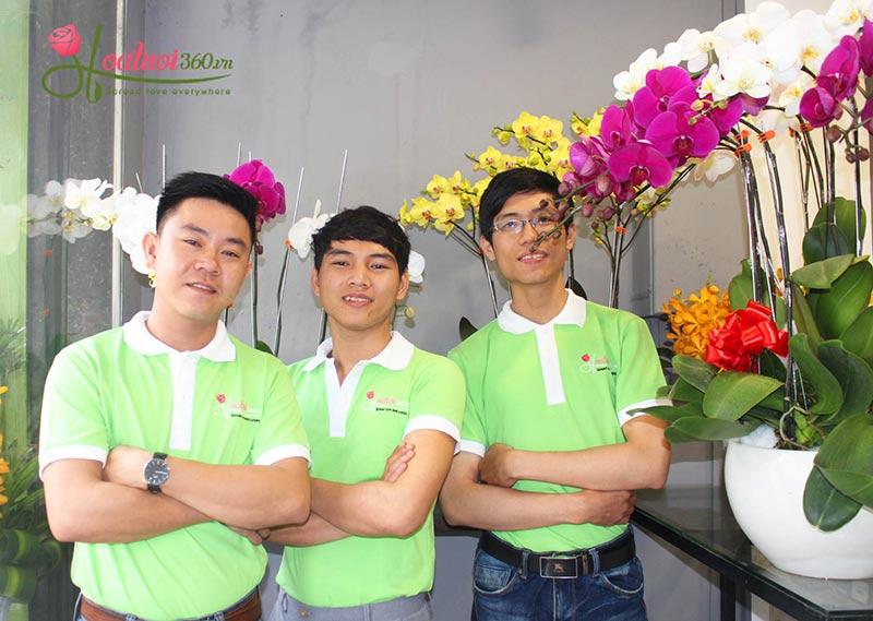 Nhân viên tại Shop hoa sinh nhật - Hoa tươi 360 -1
